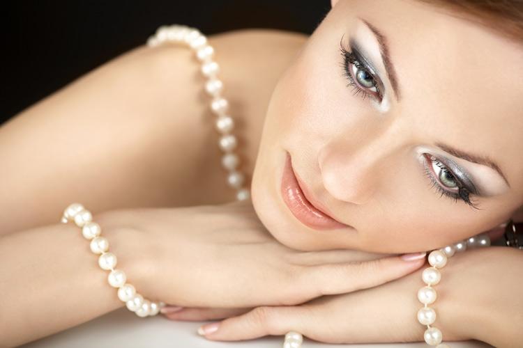 Perlenketten Zuchtperlen zum Direktkauf asu Eigenimport wie auch Perlenstränge zu günstigen Preisen in guter Qualität